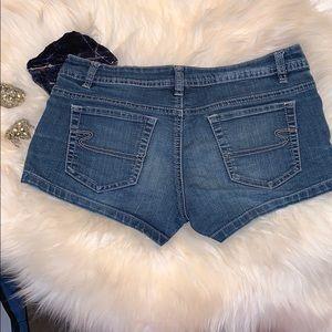 Size 7 ardene jean shorts